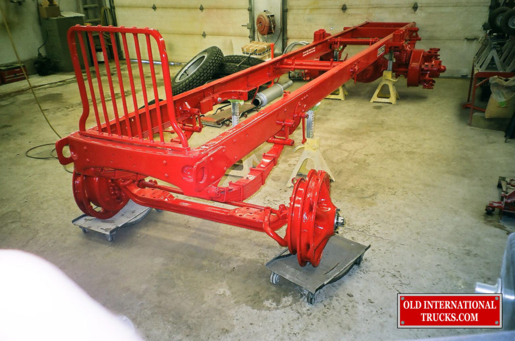 "Front axle ready to mate up with springs and frame <div class=""download-image""><a href=""https://oldinternationaltrucks.com/wp-content/uploads/2017/09/00570007.jpg"" download><i class=""fa fa-download""></i> <span class=""full-size""></span></a></div>"