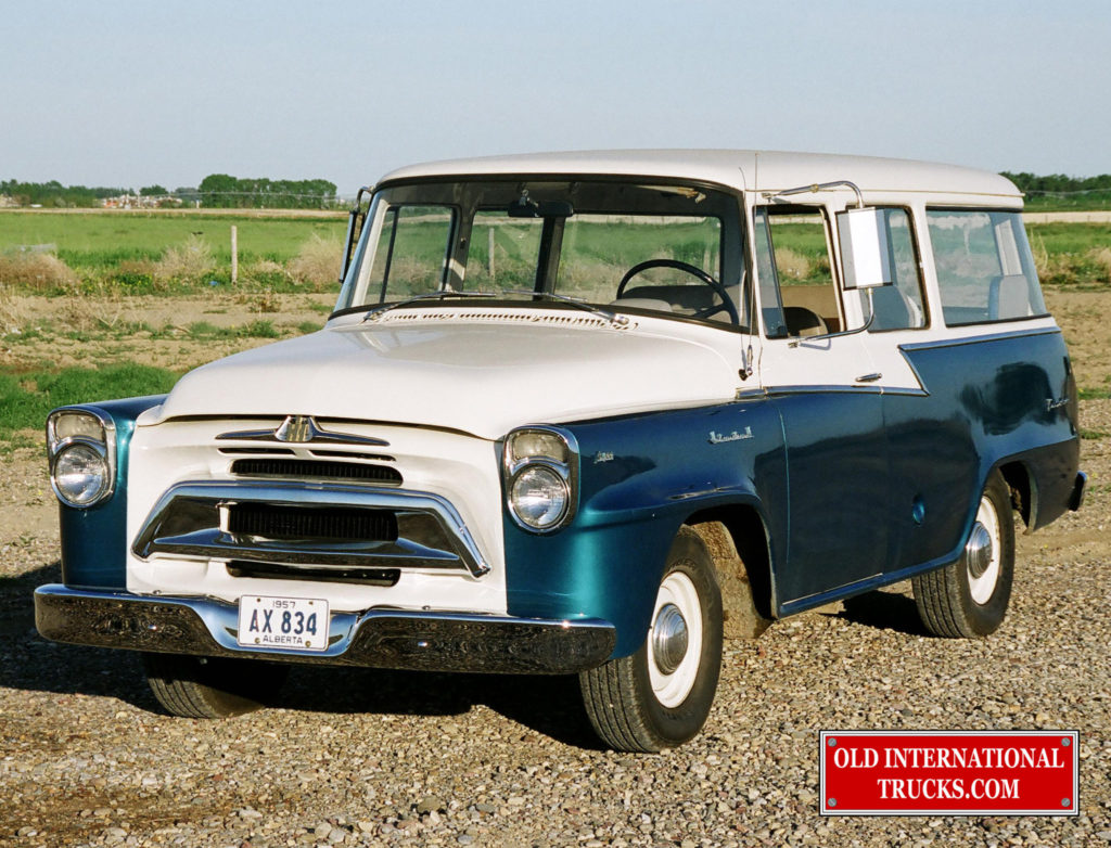 "1958 A100 TRAVELALL <div class=""download-image""><a href=""https://oldinternationaltrucks.com/wp-content/uploads/2017/09/01030015-CROP.jpg"" download><i class=""fa fa-download""></i> <span class=""full-size""></span></a></div>"