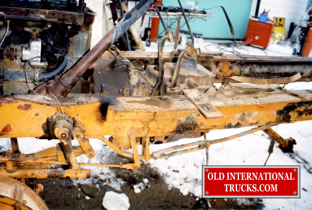 "The frame was bent and broken <div class=""download-image""><a href=""https://oldinternationaltrucks.com/wp-content/uploads/2017/09/1929-HS104C-450.jpg"" download><i class=""fa fa-download""></i> <span class=""full-size""></span></a></div>"