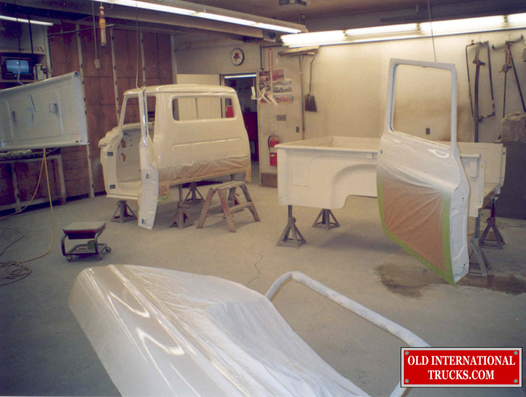 "CAB, DOORS AND BOX PAINTED <div class=""download-image""><a href=""https://oldinternationaltrucks.com/wp-content/uploads/2017/09/249.jpg"" download><i class=""fa fa-download""></i> <span class=""full-size""></span></a></div>"