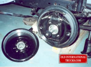 "Wheel brakes restored <div class=""download-image""><a href=""https://oldinternationaltrucks.com/wp-content/uploads/2017/09/27-1.jpg"" download><i class=""fa fa-download""></i> <span class=""full-size""></span></a></div>"