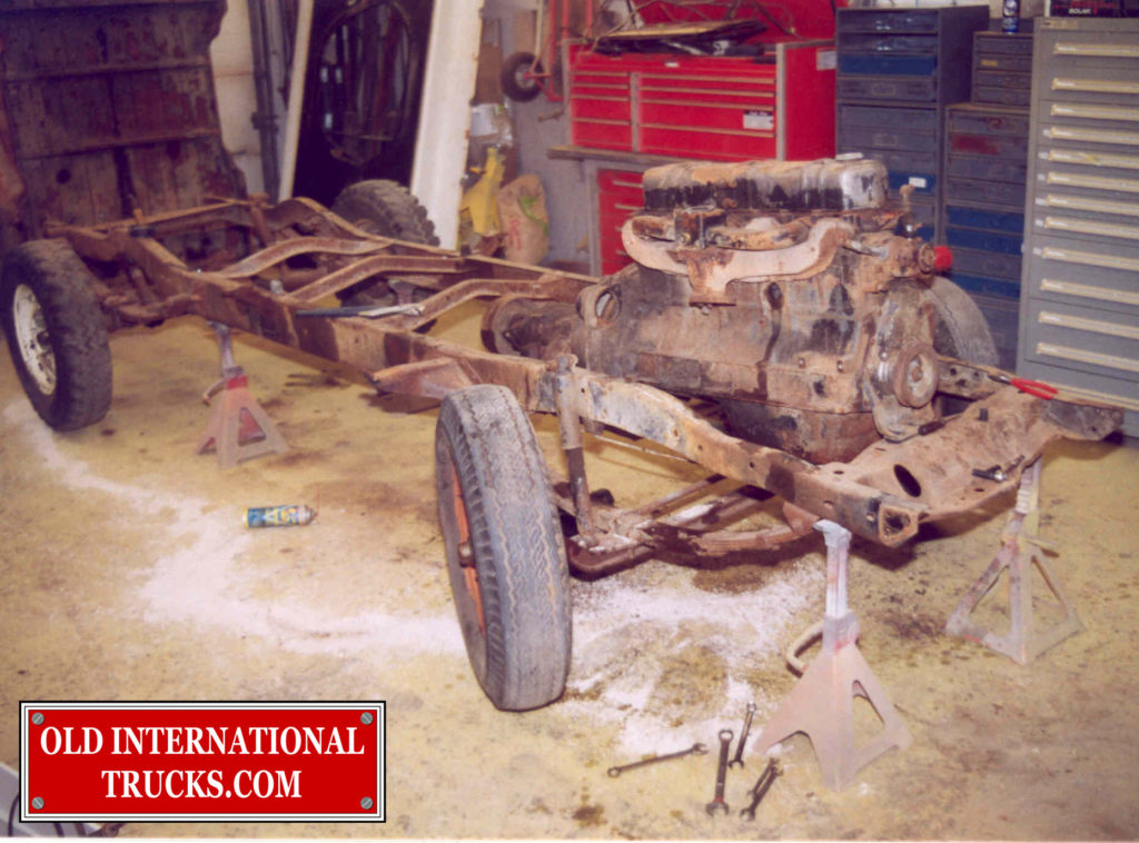 "ENGINE READY TO LIFT OUT OF CHASSIS <div class=""download-image""><a href=""https://oldinternationaltrucks.com/wp-content/uploads/2017/09/58.jpg"" download><i class=""fa fa-download""></i> <span class=""full-size""></span></a></div>"