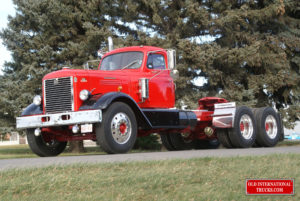 "1951 LFD-405 INTERNATIONAL <div class=""download-image""><a href=""https://oldinternationaltrucks.com/wp-content/uploads/2017/09/DSC01850.jpg"" download><i class=""fa fa-download""></i> <span class=""full-size""></span></a></div>"