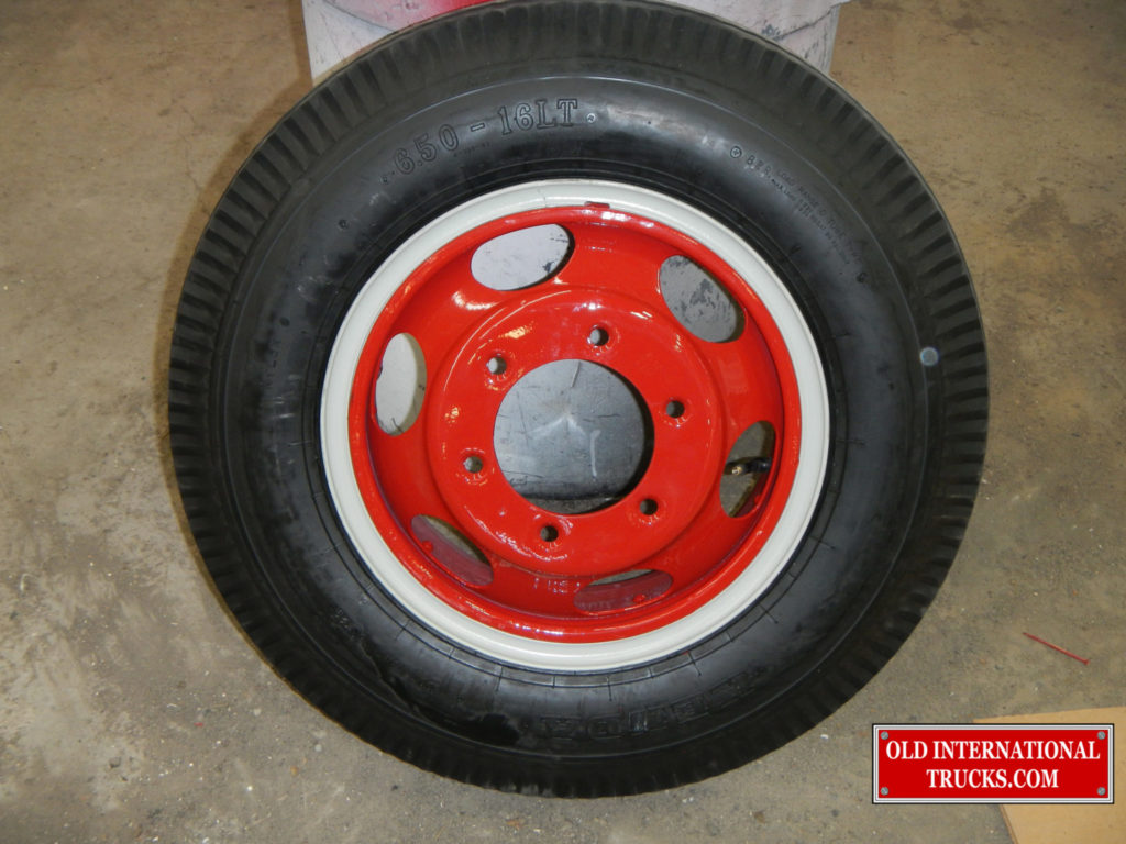"Red wheels just like factory <div class=""download-image""><a href=""https://oldinternationaltrucks.com/wp-content/uploads/2017/09/DSCN0119.jpg"" download><i class=""fa fa-download""></i> <span class=""full-size""></span></a></div>"