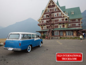 "IN FRONT OF THE PRINCE OF WHALES HOTEL IN WATERTON <div class=""download-image""><a href=""https://oldinternationaltrucks.com/wp-content/uploads/2017/09/DSCN2890.jpg"" download><i class=""fa fa-download""></i> <span class=""full-size""></span></a></div>"