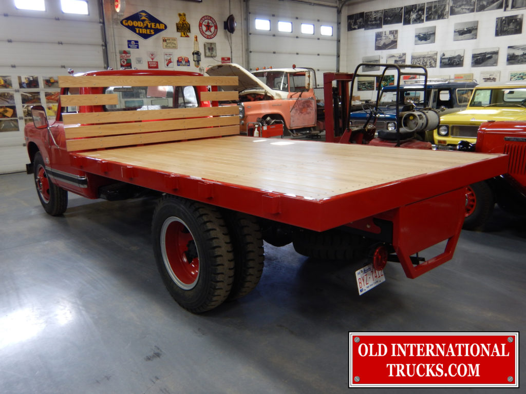 "Oak stake deck installed <div class=""download-image""><a href=""https://oldinternationaltrucks.com/wp-content/uploads/2017/09/DSCN7381.jpg"" download><i class=""fa fa-download""></i> <span class=""full-size""></span></a></div>"