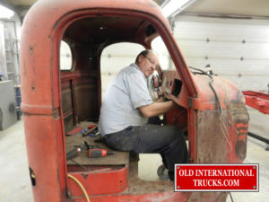 "George Kirkham stripping the cab <div class=""download-image""><a href=""https://oldinternationaltrucks.com/wp-content/uploads/2017/09/DSCN7659.jpg"" download><i class=""fa fa-download""></i> <span class=""full-size""></span></a></div>"