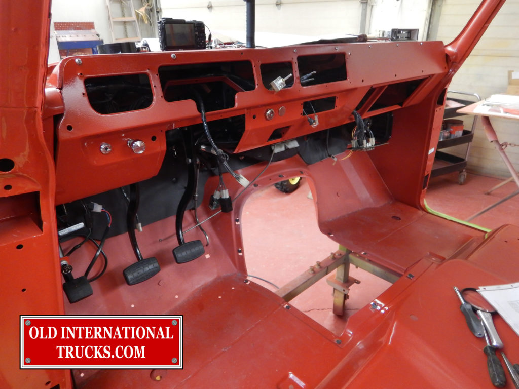 "Dash panel and other components installed <div class=""download-image""><a href=""https://oldinternationaltrucks.com/wp-content/uploads/2017/09/DSCN7793_1.jpg"" download><i class=""fa fa-download""></i> <span class=""full-size""></span></a></div>"