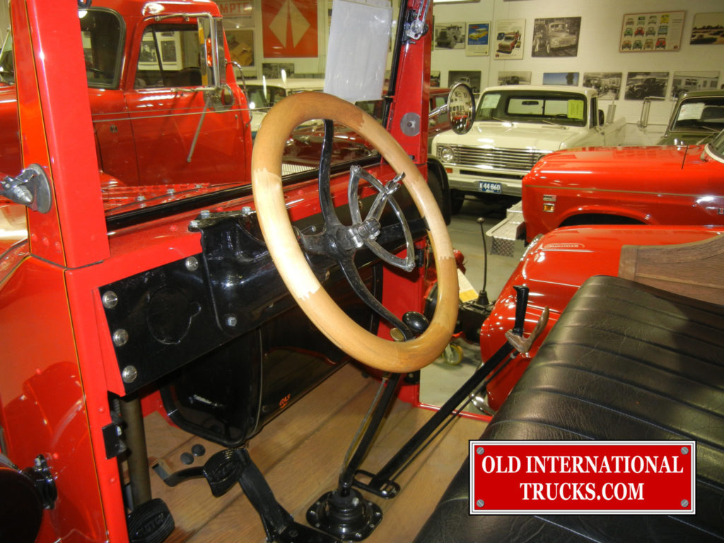 "wooden steering wheel <div class=""download-image""><a href=""https://oldinternationaltrucks.com/wp-content/uploads/2017/09/DSCN7975.jpg"" download><i class=""fa fa-download""></i> <span class=""full-size""></span></a></div>"