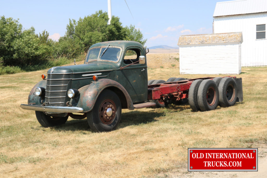 """At a Chapter 38 IHCC collectors show <div class=""""download-image""""><a href=""""https://oldinternationaltrucks.com/wp-content/uploads/2017/09/IMG_2911.jpg"""" download><i class=""""fa fa-download""""></i> <span class=""""full-size""""></span></a></div>"""