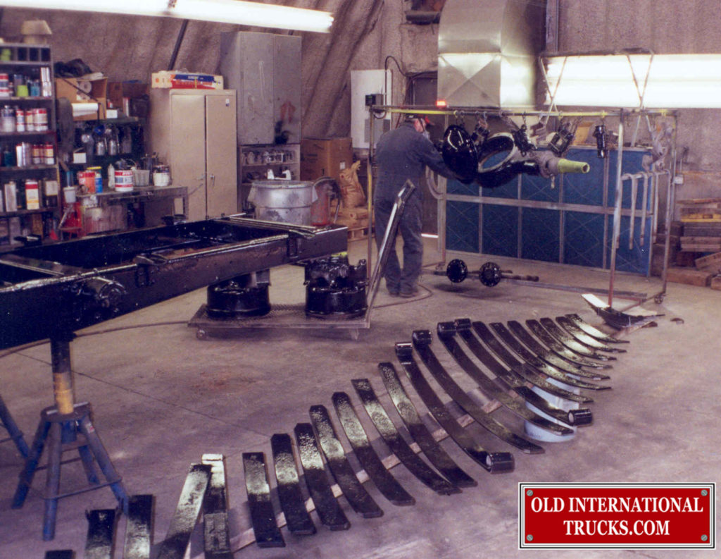 """ALL THE REAR SPRINGS PAINTED  <div class=""""download-image""""><a href=""""https://oldinternationaltrucks.com/wp-content/uploads/2017/11/35-1.jpg"""" download><i class=""""fa fa-download""""></i> <span class=""""full-size""""></span></a></div>"""