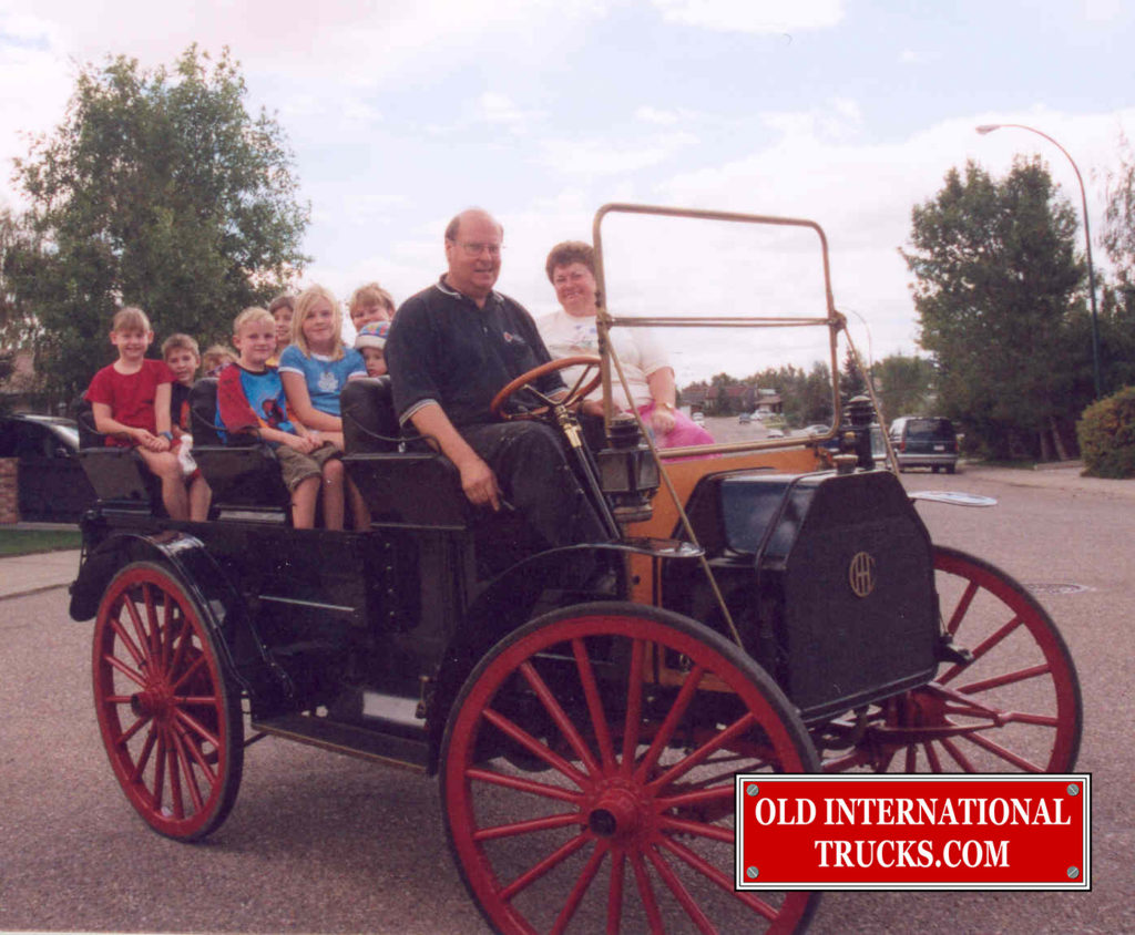 "Taking the kids for a ride <div class=""download-image""><a href=""https://oldinternationaltrucks.com/wp-content/uploads/2017/11/43.jpg"" download><i class=""fa fa-download""></i> <span class=""full-size""></span></a></div>"