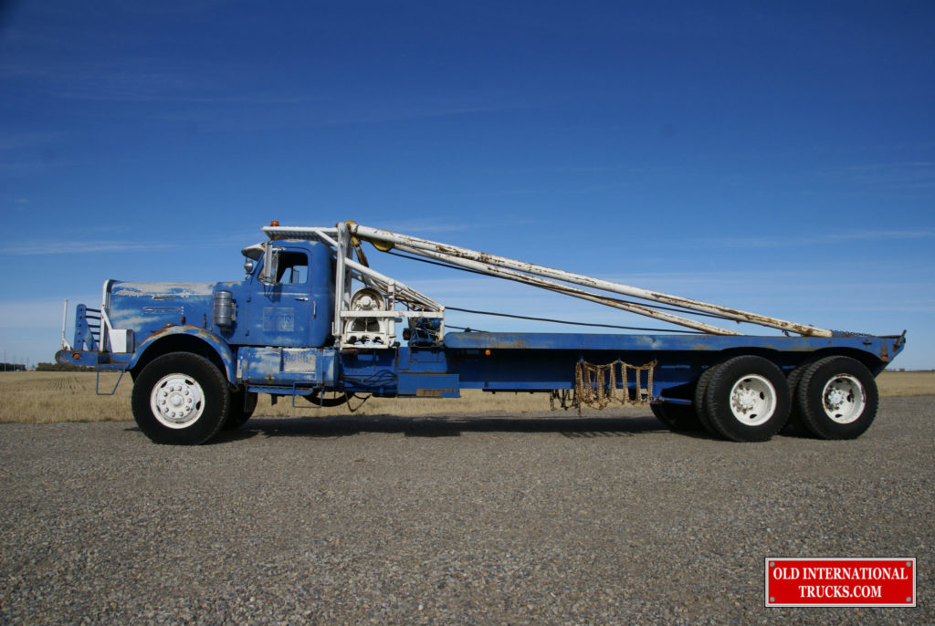 "TRUCK IS 40 FEET LONG, 42000 LBS, AND  2 WINCHS  <div class=""download-image""><a href=""https://oldinternationaltrucks.com/wp-content/uploads/2017/11/DSC02338.jpg"" download><i class=""fa fa-download""></i> <span class=""full-size""></span></a></div>"