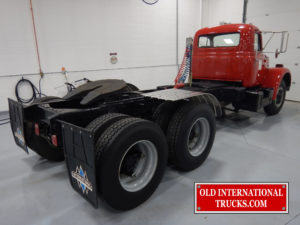 "VF190 FULL TANDEM DRIVE REAR AXLE. <div class=""download-image""><a href=""https://oldinternationaltrucks.com/wp-content/uploads/2017/11/DSCN1688.jpg"" download><i class=""fa fa-download""></i> <span class=""full-size""></span></a></div>"