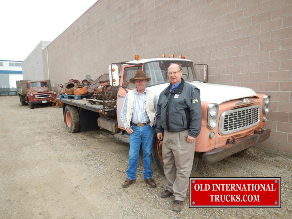 """SUN DOWNS SON SHOWED UP WITH ALL THE ORIGINAL PAPERS FOR THE TRUCK  <div class=""""download-image""""><a href=""""https://oldinternationaltrucks.com/wp-content/uploads/2017/11/DSCN3243.jpg"""" download><i class=""""fa fa-download""""></i> <span class=""""full-size""""></span></a></div>"""