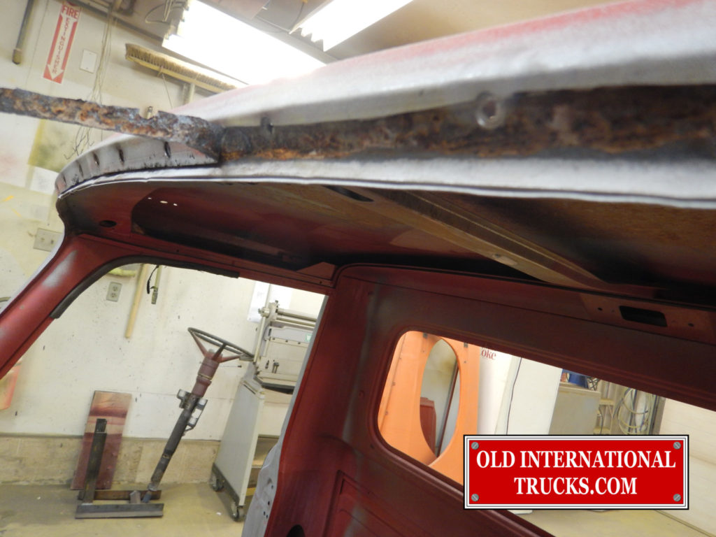 "RUST REPAIR ON THE FRONT EDGE OF THE ROOF <div class=""download-image""><a href=""https://oldinternationaltrucks.com/wp-content/uploads/2017/11/DSCN4894.jpg"" download><i class=""fa fa-download""></i> <span class=""full-size""></span></a></div>"
