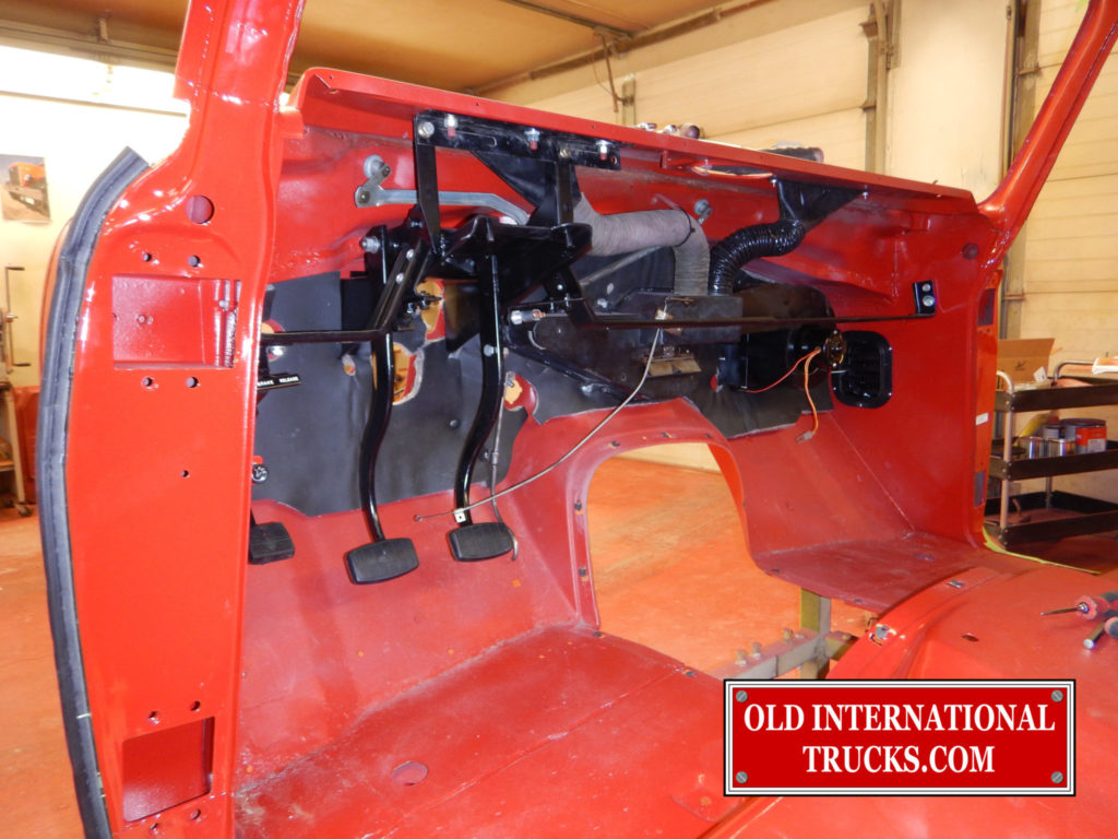 "PEDALS AND HEATER BOX IN  PLACE <div class=""download-image""><a href=""https://oldinternationaltrucks.com/wp-content/uploads/2017/11/DSCN7531.jpg"" download><i class=""fa fa-download""></i> <span class=""full-size""></span></a></div>"