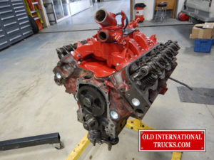 "Cleaning up the 345 V8 motor <div class=""download-image""><a href=""https://oldinternationaltrucks.com/wp-content/uploads/2017/11/DSCN8879.jpg"" download><i class=""fa fa-download""></i> <span class=""full-size""></span></a></div>"