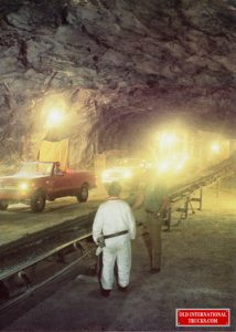 1976 SCOUTS USED IN A MINE UNDER GROUND