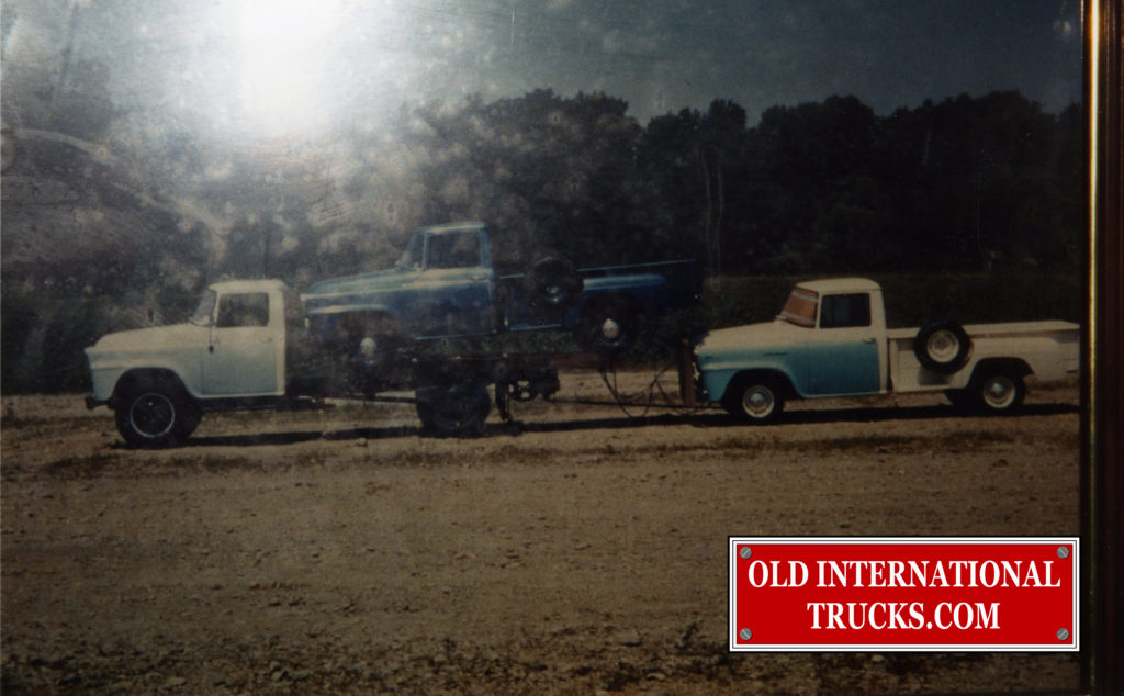 "A load of new 1957 Internationals leaving Springfield factory <div class=""download-image""><a href=""https://oldinternationaltrucks.com/wp-content/uploads/2017/12/img010.jpg"" download><i class=""fa fa-download""></i> <span class=""full-size""></span></a></div>"