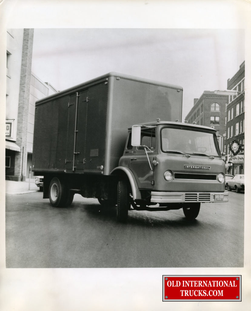 "1970 CO1710A CARGOSTAR <div class=""download-image""><a href=""https://oldinternationaltrucks.com/wp-content/uploads/2017/12/img203-2.jpg"" download><i class=""fa fa-download""></i> <span class=""full-size""></span></a></div>"
