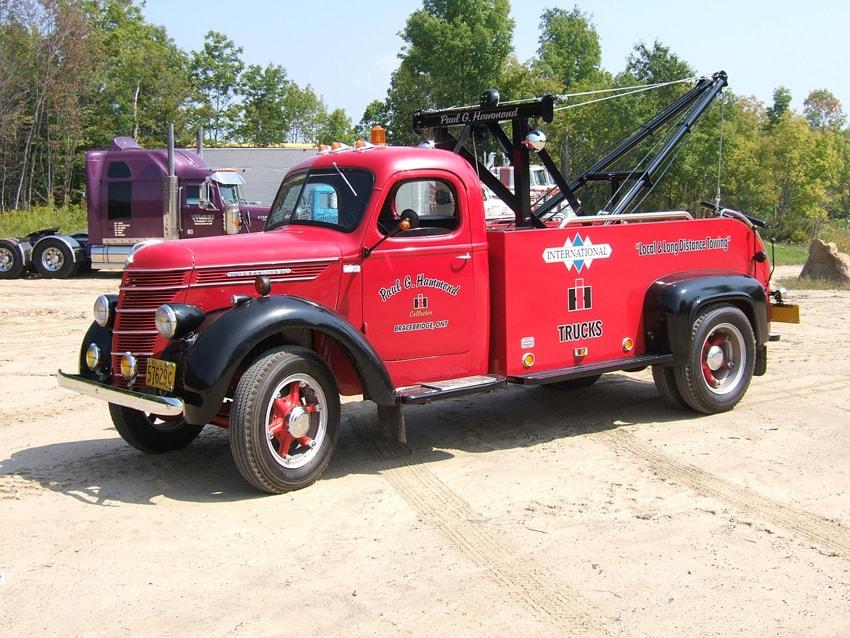 """paul hammond Tow Truck <div class=""""download-image""""><a href=""""https://oldinternationaltrucks.com/wp-content/uploads/2018/01/paul-hammond-tow-truck.jpg"""" download><i class=""""fa fa-download""""></i> <span class=""""full-size""""></span></a></div>"""