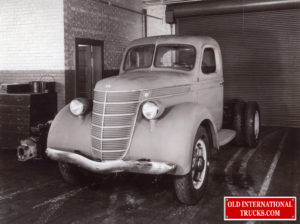 "1935 Clay mock up for 1937 <div class=""download-image""><a href=""https://oldinternationaltrucks.com/wp-content/uploads/2018/04/1935-D-LINE-MOCK-UP-FOR-1937.jpg"" download><i class=""fa fa-download""></i> <span class=""full-size""></span></a></div>"