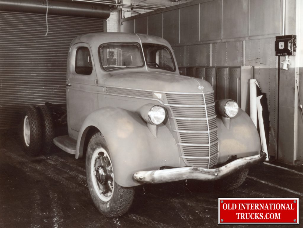 "1935 Clay mock up for D-Line Proposal  <div class=""download-image""><a href=""https://oldinternationaltrucks.com/wp-content/uploads/2018/04/1935-D-LINE-PROPOSAL.jpg"" download><i class=""fa fa-download""></i> <span class=""full-size""></span></a></div>"