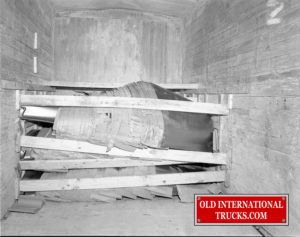 "1956 Chatham Hoods in box car <div class=""download-image""><a href=""https://oldinternationaltrucks.com/wp-content/uploads/2018/04/1956-CHATHAM-HOODS-IN-BOX-CAR.jpg"" download><i class=""fa fa-download""></i> <span class=""full-size""></span></a></div>"