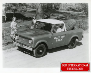 "1961 scout model 80 4x4 pick-up top <div class=""download-image""><a href=""https://oldinternationaltrucks.com/wp-content/uploads/2019/02/img353.jpg"" download><i class=""fa fa-download""></i> <span class=""full-size""></span></a></div>"