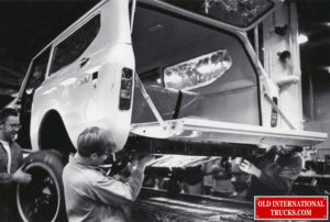 """1977 scout factory, installing fuel tank <div class=""""download-image""""><a href=""""https://oldinternationaltrucks.com/wp-content/uploads/2021/02/1977-scout-factory-installing-fuel-tank.jpg"""" download><i class=""""fa fa-download""""></i> <span class=""""full-size""""></span></a></div>"""